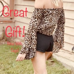 NWT LF SEEK The Label Cheetah Print Blouse